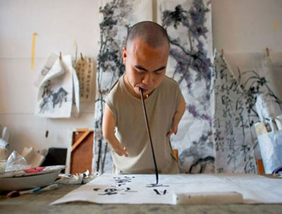 Diving into Chinese Calligraphy Art and Chinese Paintings with His Mouth and Feet