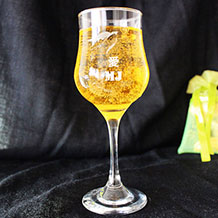 Personalized Engraved Wine Glass / Goblet with Swallow